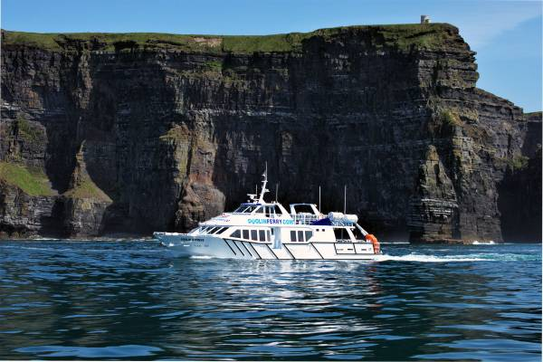 Cliffs of Moher Boat Tour from Doolin to Aran